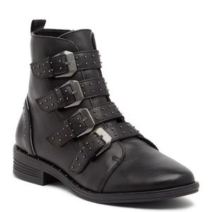 NIB Steve Madden Pursue Studded Buckle Boots